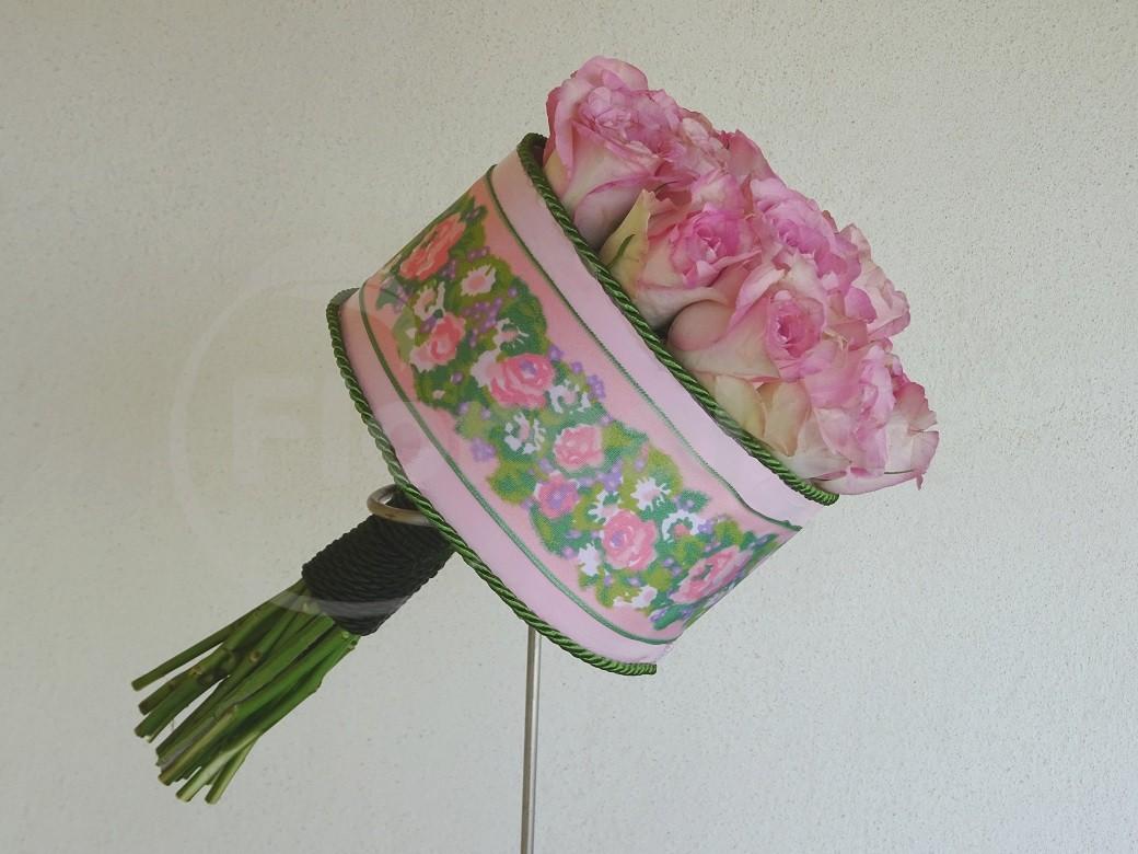 rose et ruban