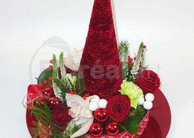 Red Christmas tree. 2019 (1)