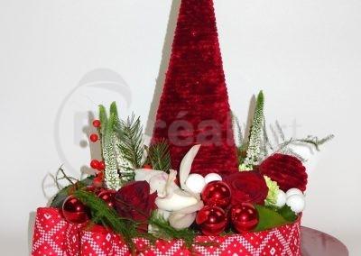 Red Christmas tree. 2019 (2)
